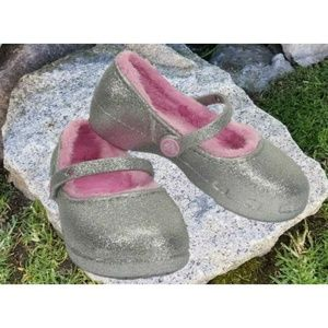 Crocs Karin Girls Fur Lined Clogs Sparkly Silver
